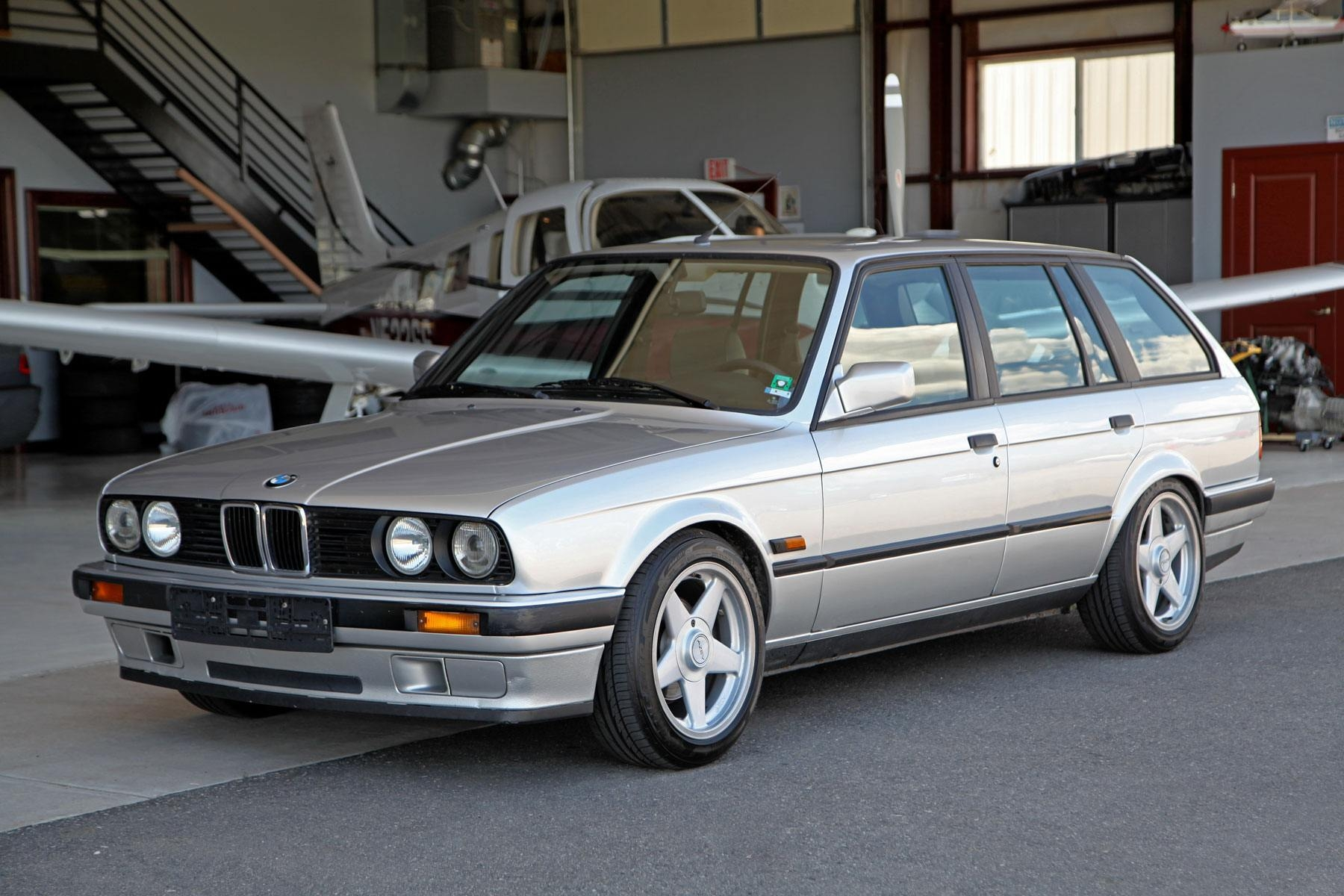 1990 bmw e30 318i touring glen shelly auto brokers denver colorado. Black Bedroom Furniture Sets. Home Design Ideas