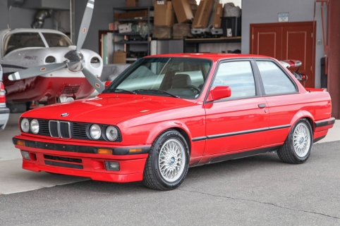 1991 BMW (E30) 318iS