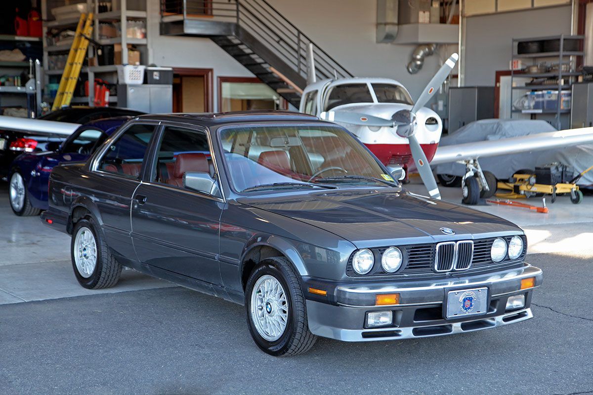 1987 BMW (E30) 325iS exterior photo