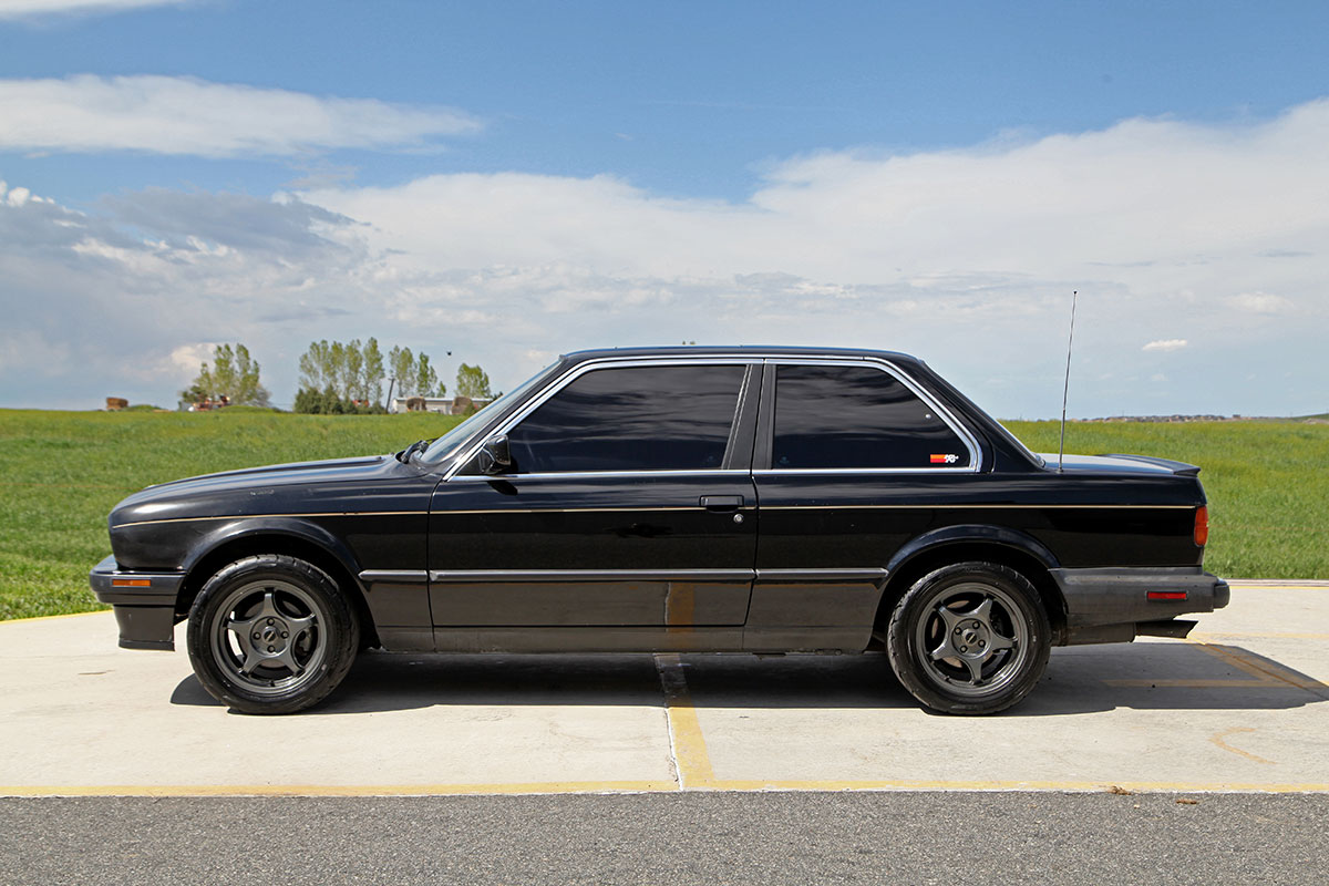 1987 BMW 325iS exterior photo