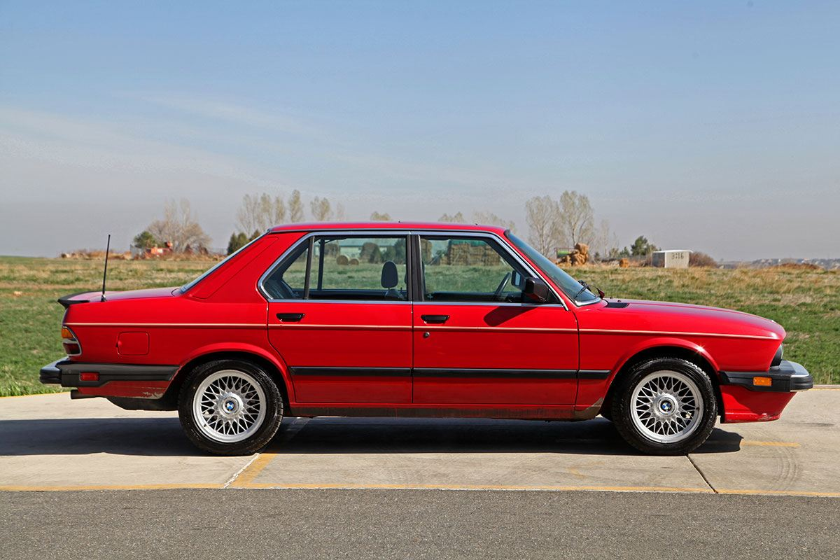 1987 BMW 535iS exterior photo