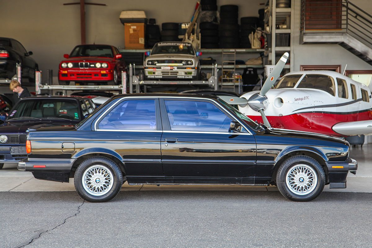 1988 BMW (E30) 325iS exterior photo