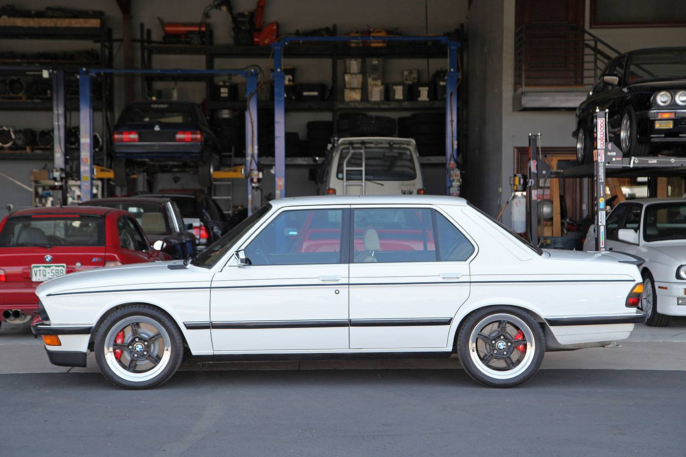 1988 BMW 535iS S38 (Euro M5 Style) Swap exterior photo