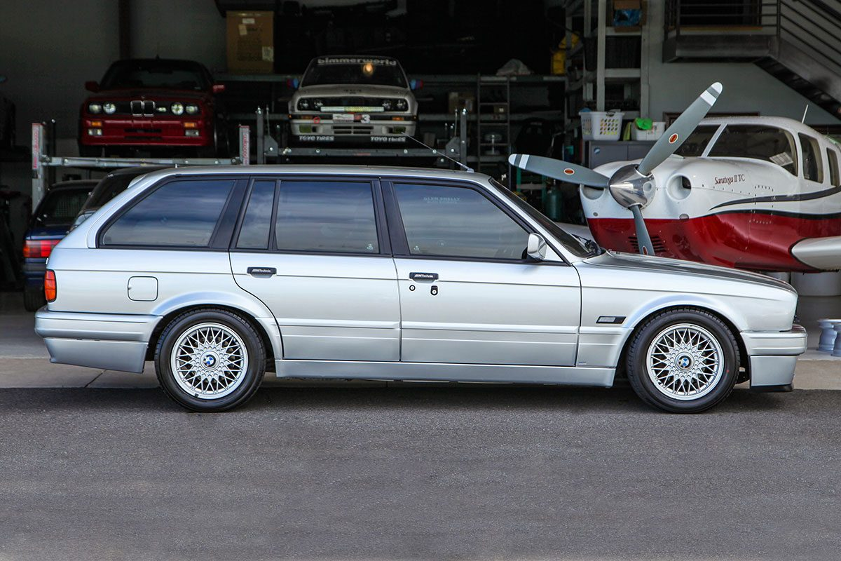 1989 BMW (E30) 325i Touring M Tech II exterior photo