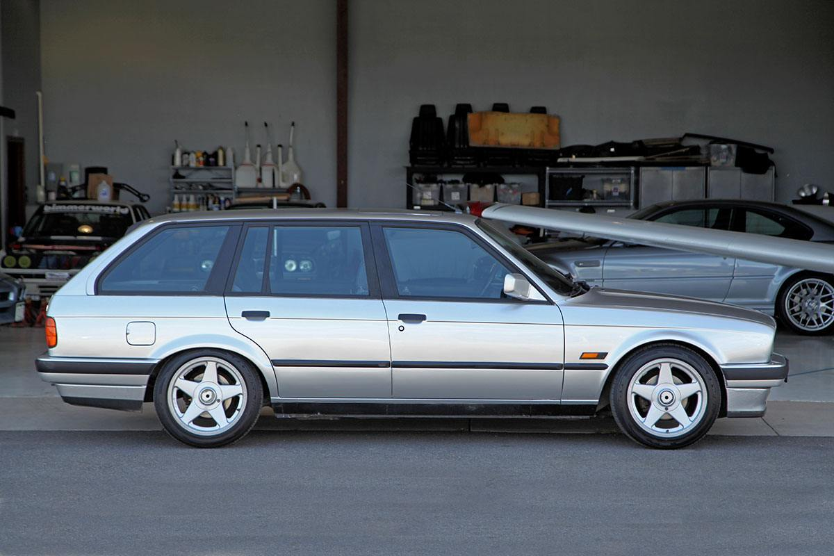 1990 BMW (E30) 318i Touring exterior photo
