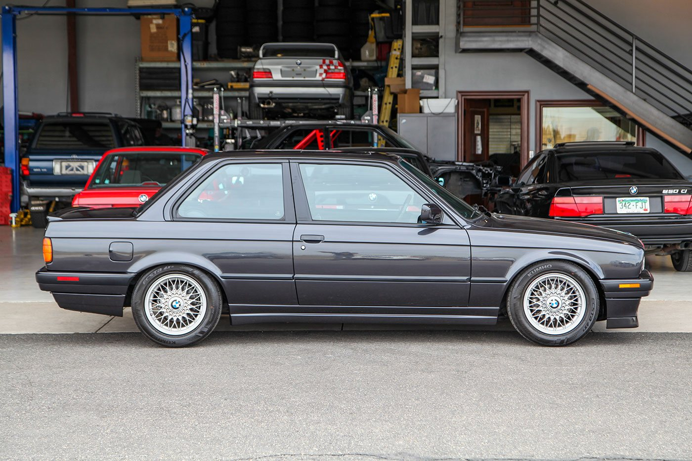 1991 BMW (E30) 318iS exterior photo
