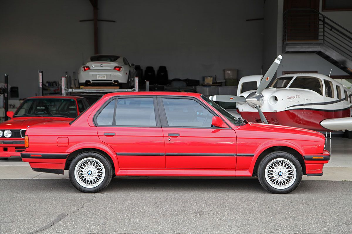 1991 BMW 325iX exterior photo
