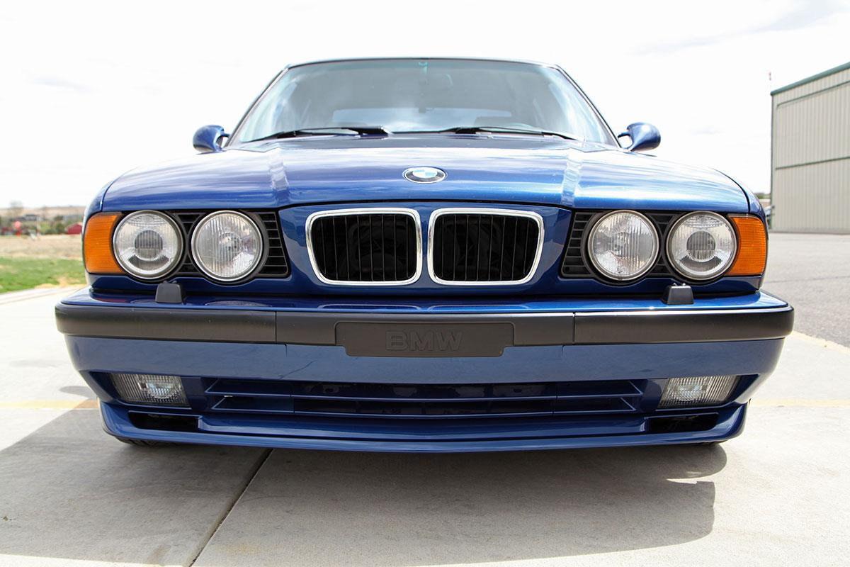 1995 BMW Canadian Market (E34) M540i exterior photo
