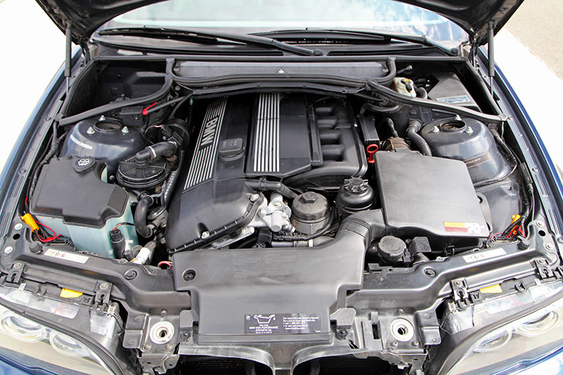 2004 BMW 325Ci engine photo