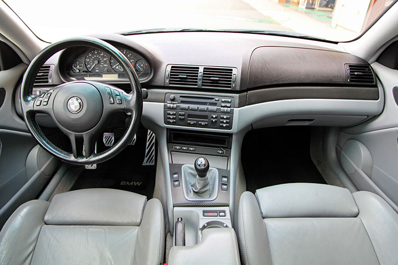 2004 BMW 325Ci interior photo