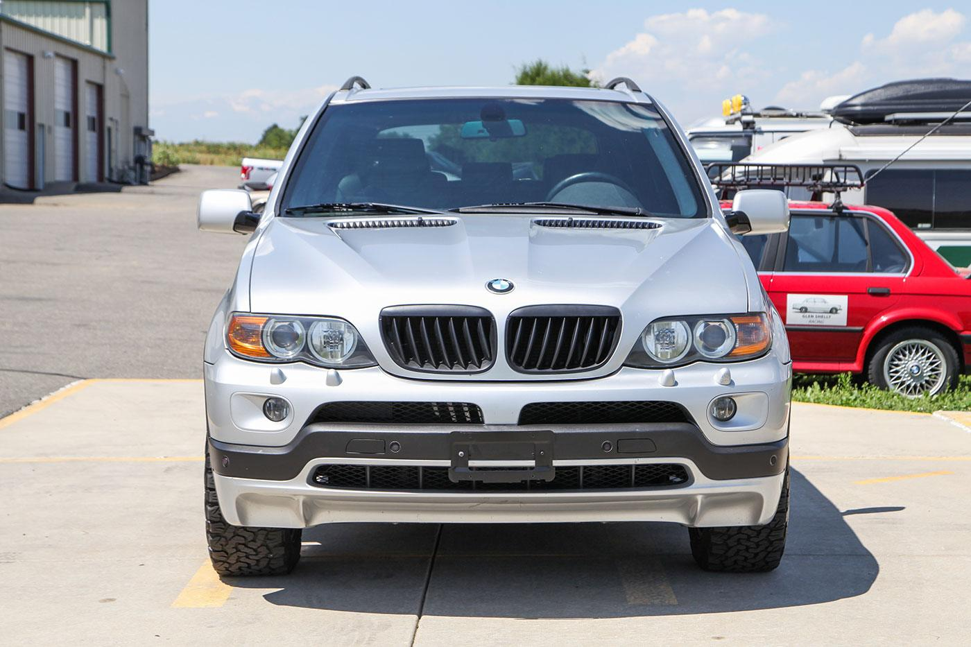2005 BMW (E53) X5 4.8iS exterior photo
