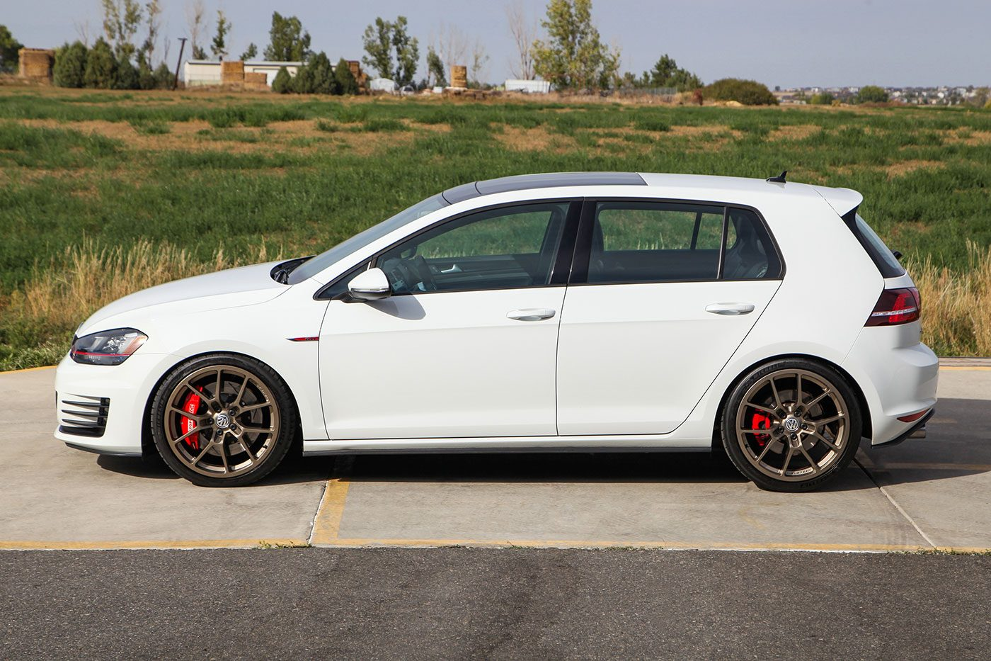 2016 Volkswagen GTI SE Performance Pack exterior photo