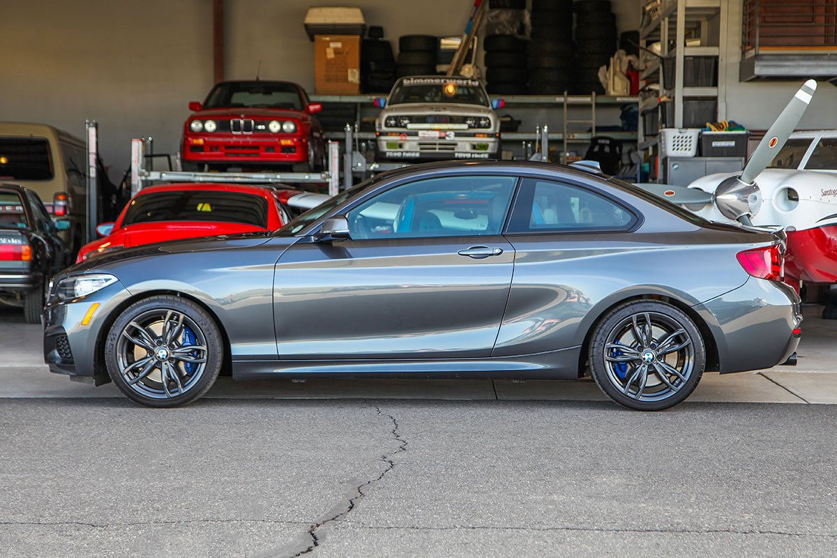 2017 BMW (F22) M240i xDrive exterior photo